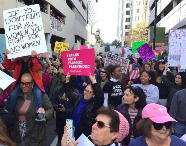 COWOMENS_MARCH_Crowd